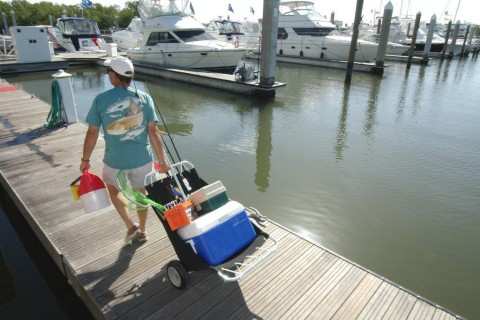 Utilacart beach carts are made in the us for Wade fishing caddy